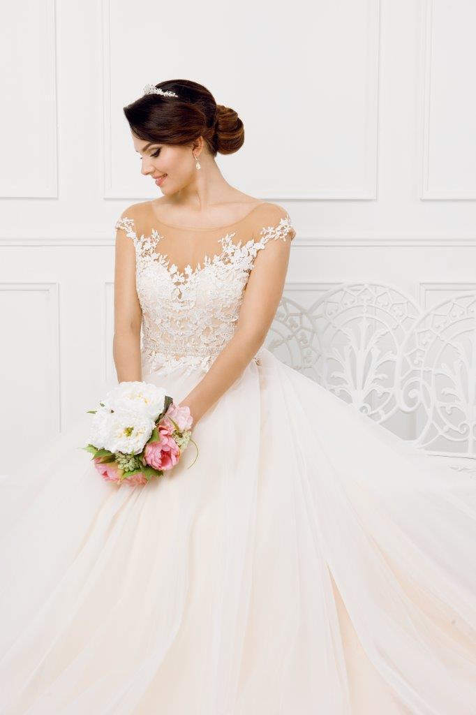 Zauberkutsche-Brautmode-online-hochzeit-Kleid-Hochzeitskleid-Meckenbeuren-Hochzeit-Accessoires-brautschleier-brautkleider-10