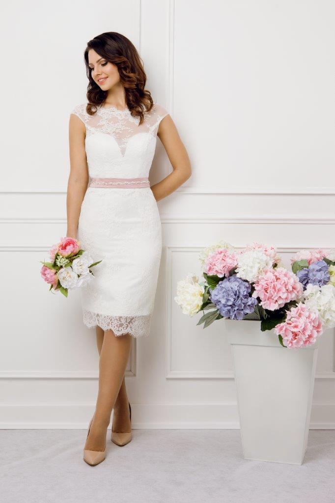 Zauberkutsche-Brautmode-online-hochzeit-Kleid-Hochzeitskleid-Meckenbeuren-Hochzeit-Accessoires-brautschleier-brautkleider-11