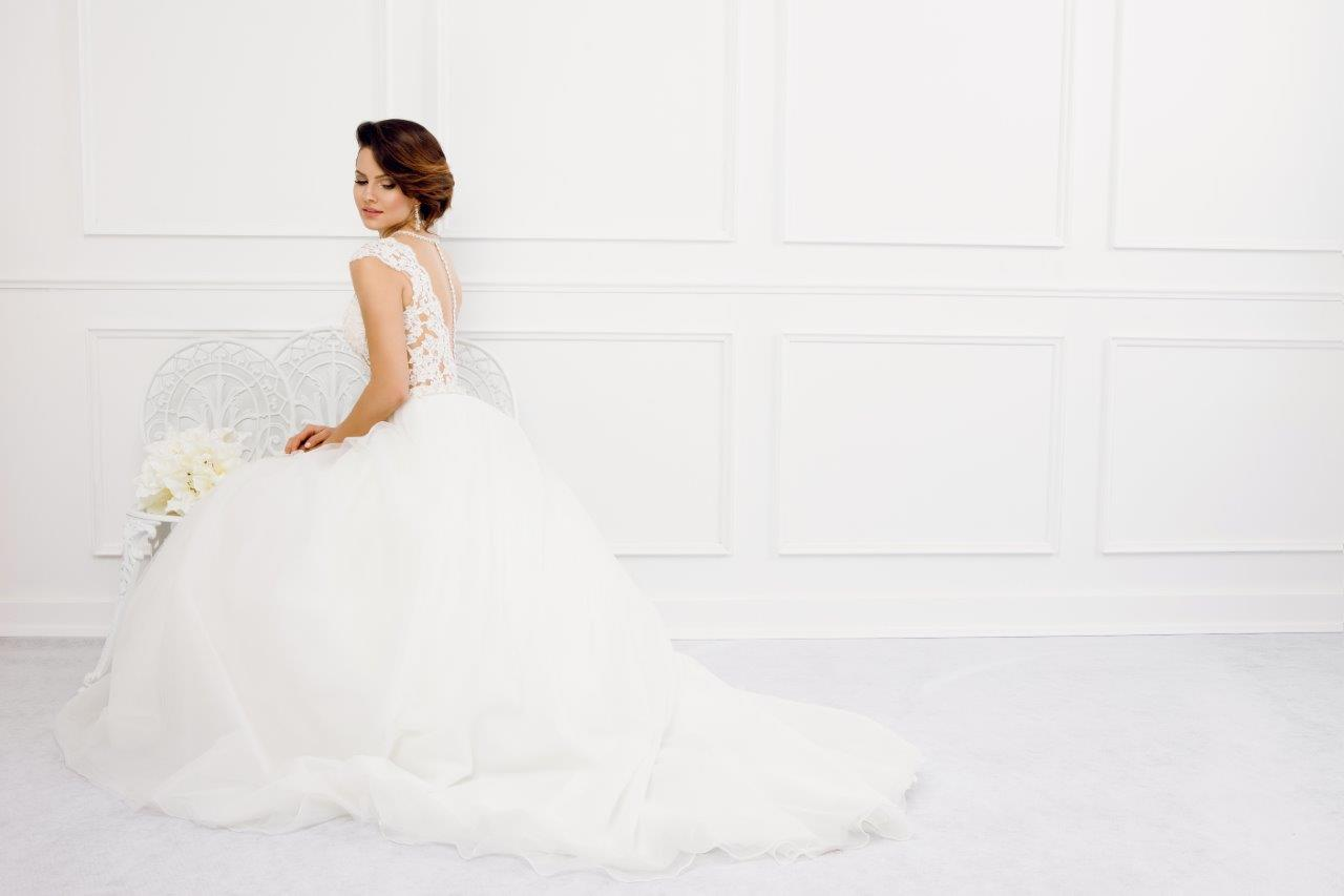 Zauberkutsche-Brautmode-online-hochzeit-Kleid-Hochzeitskleid-Meckenbeuren-Hochzeit-Accessoires-brautschleier-brautkleider-6