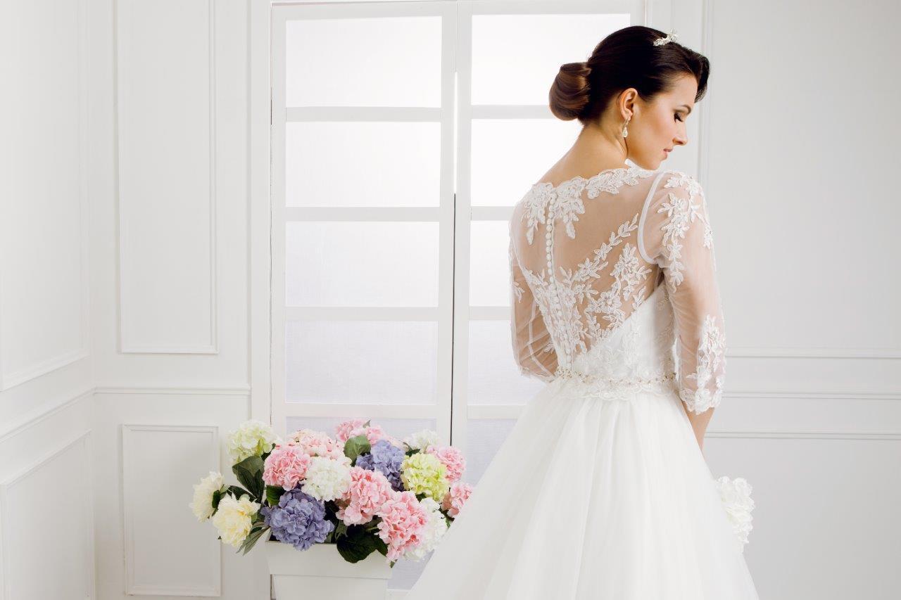 Zauberkutsche-Brautmode-online-hochzeit-Kleid-Hochzeitskleid-Meckenbeuren-Hochzeit-Accessoires-brautschleier-brautkleider-8