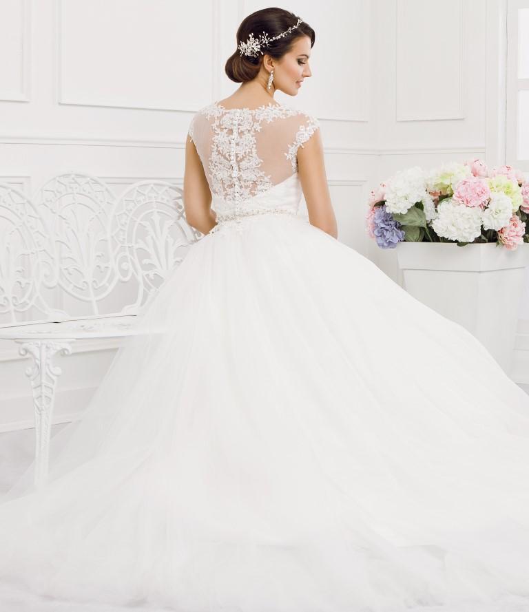 Zauberkutsche-Brautmode-online-hochzeit-Kleid-Hochzeitskleid-Tiffany-Meckenbeuren-(Medium)