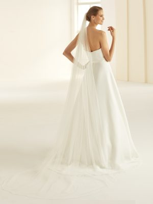 S310-Bianco-Evento-bridal-veil-(1).jpg